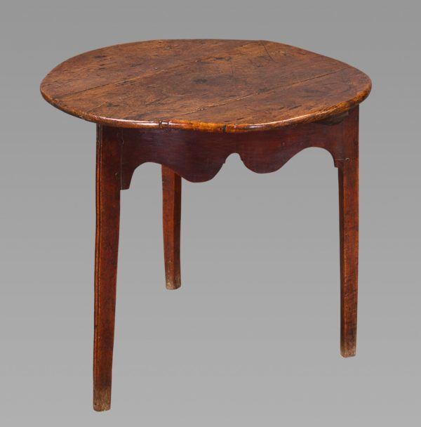 Fine 18th Century Elm and Oak Cricket Table