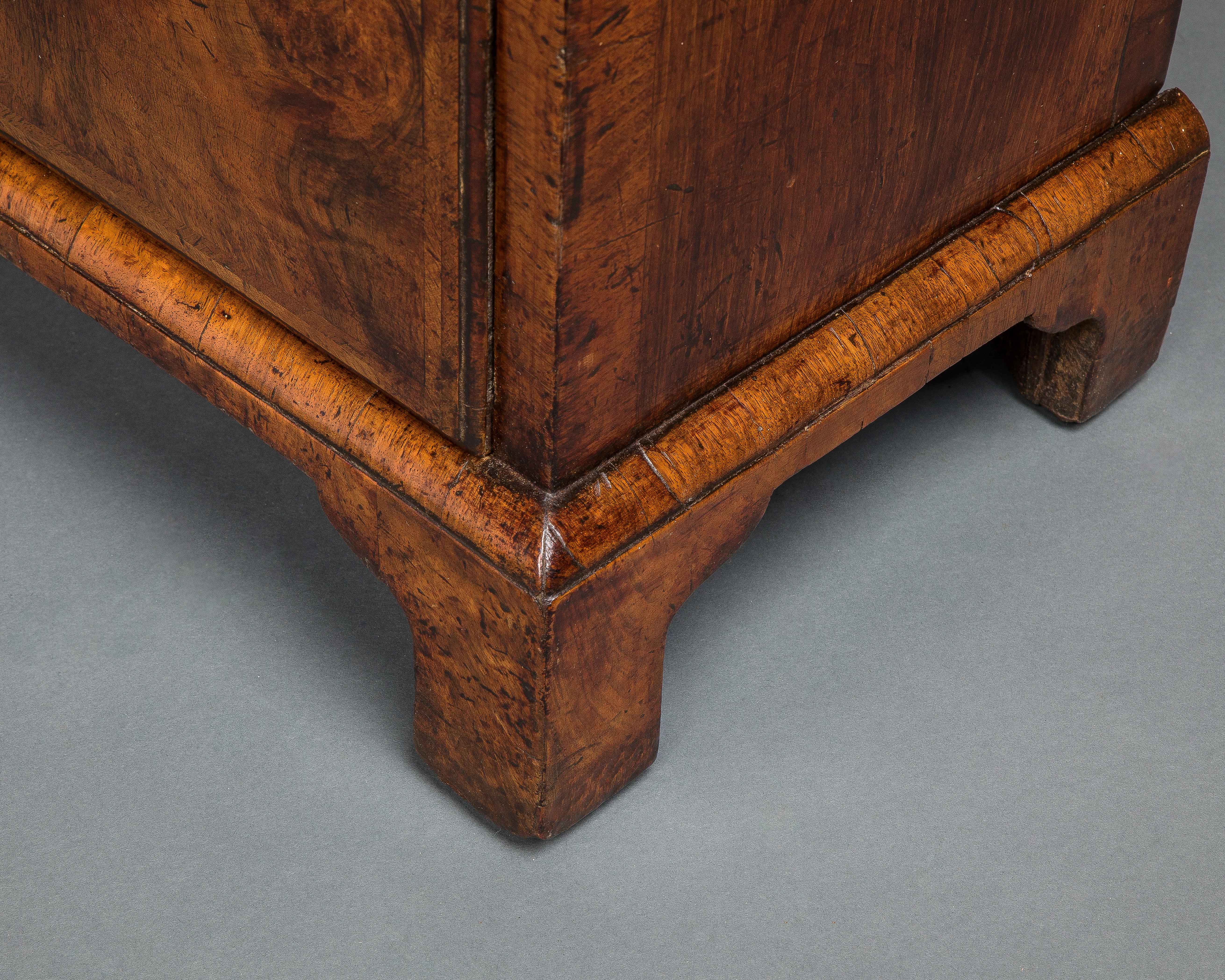 Exceptional George I Walnut Bachelor s Chest of Drawers